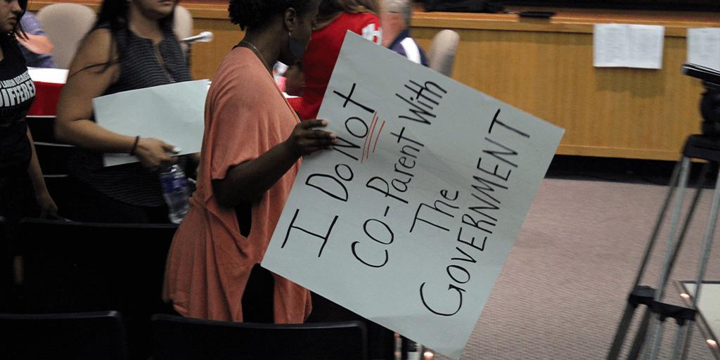 protest sign hamburg school board